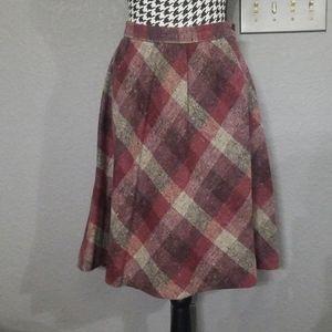Stylish VTG Plaid Wool Skirt